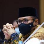 Obat, Kosmetik, dan Barang Gunaan Wajib Bersertifikat Halal